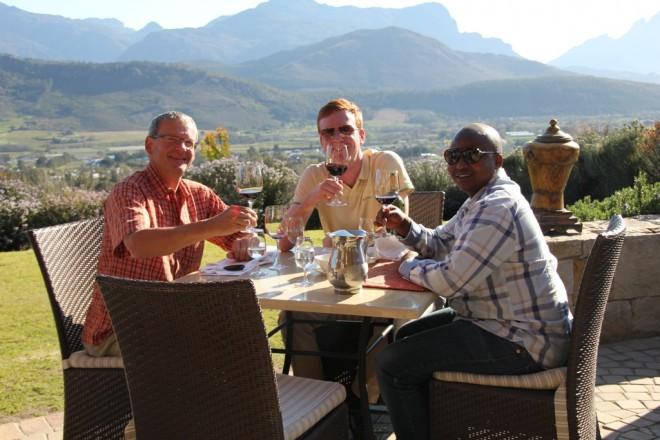 Lesego, Jan und Wolfgang auf dem Weingut Dieu Donné bei Paarl